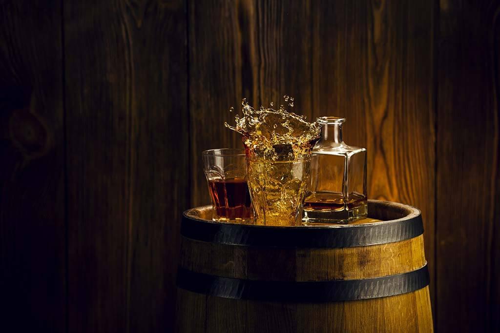 La Belgique possède de nombreuses distilleries de qualité. Le whisky belge s'est forgée une belle place aux côtés des meilleures productions mondiales.